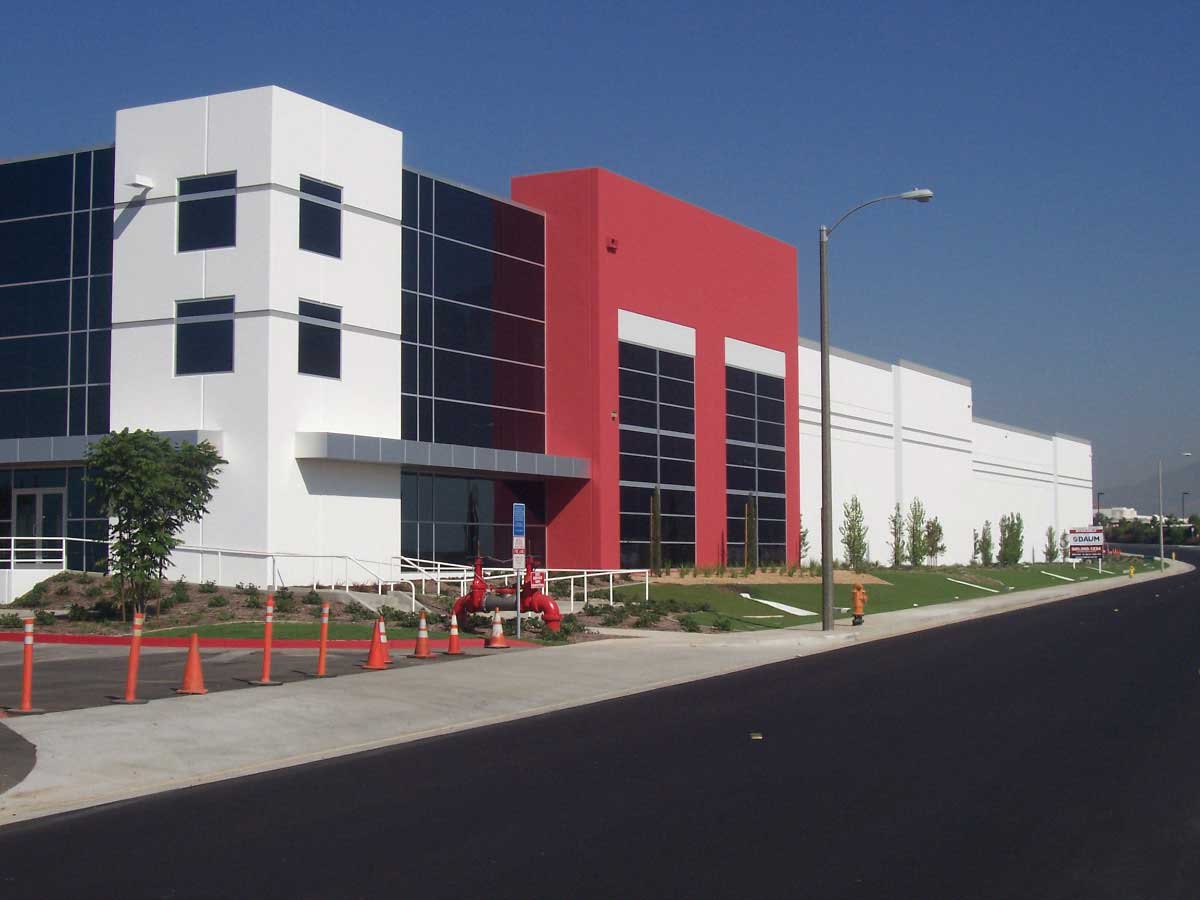 DAUM Represents Both Parties in the Leasing of a 191,216 Sq. Ft. Industrial Building in San Bernardino, CA